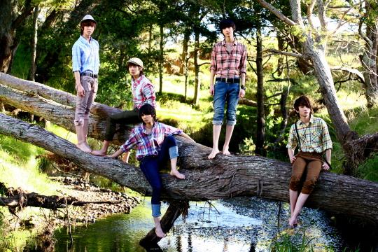 Algunos grupos del kpop!! Shinee-22