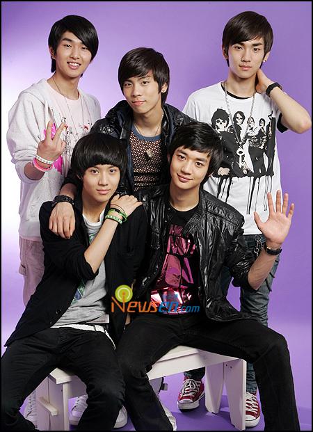 **GRUPO:--+Shinee+--** Shinee-8