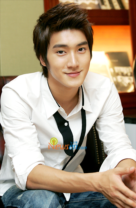 All About Choi Si Won Profile and Photo Gallery