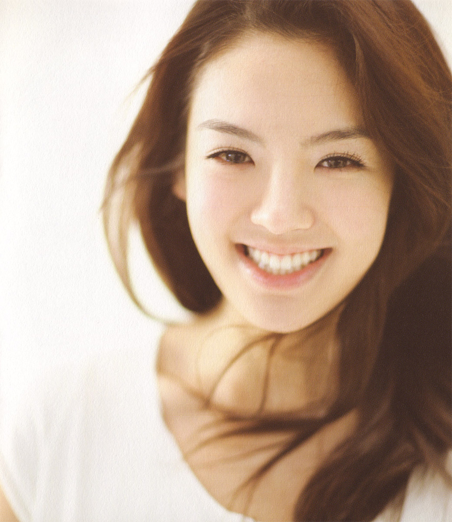all about hyoyeon  profile and photo gallery